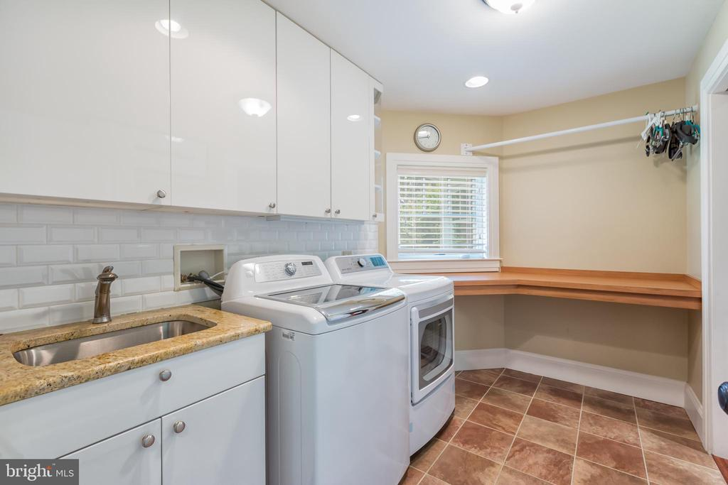 2nd floor laundry room with folding area and sink - 1820 MILVALE RD, ANNAPOLIS