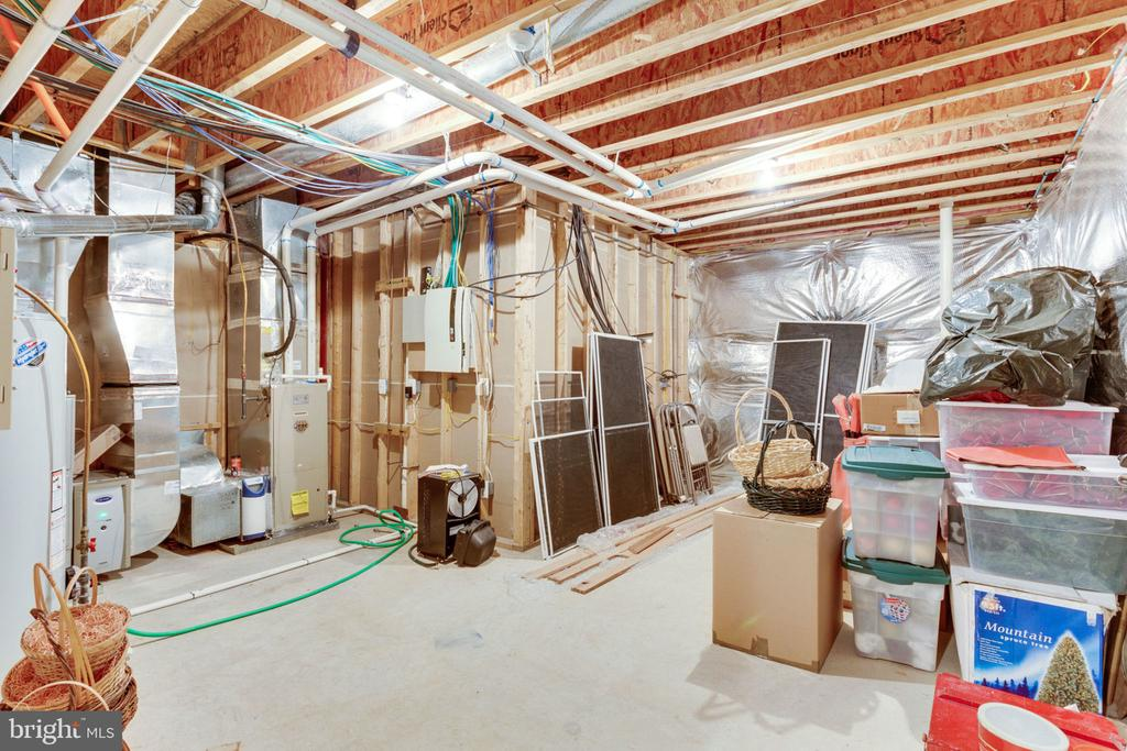 Utility & storage room - 3530 SAINT AUGUSTINE LN, OAKTON