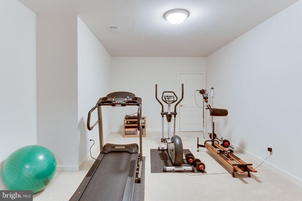 Exercise Studio! - 3530 SAINT AUGUSTINE LN, OAKTON