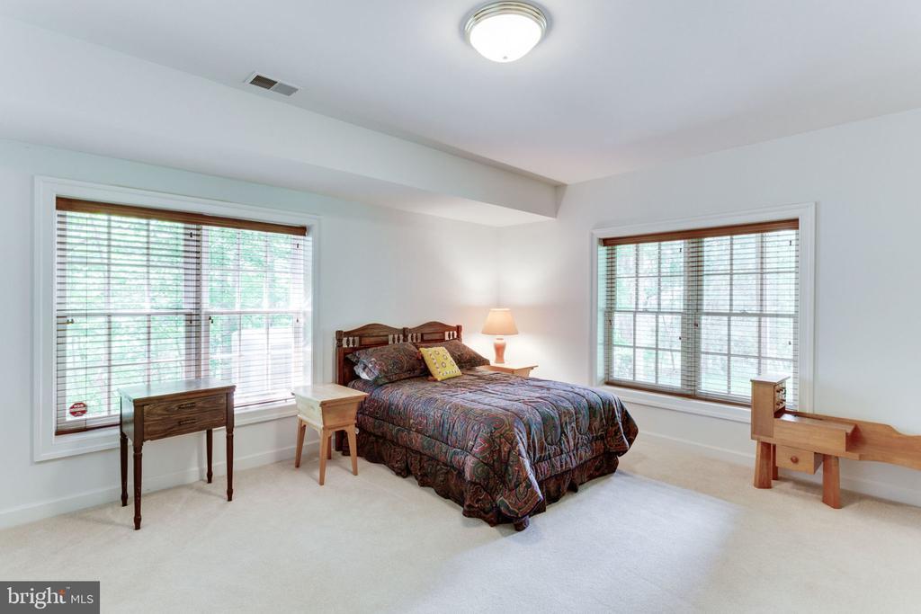 Bedroom 5 with walk-in closet! - 3530 SAINT AUGUSTINE LN, OAKTON