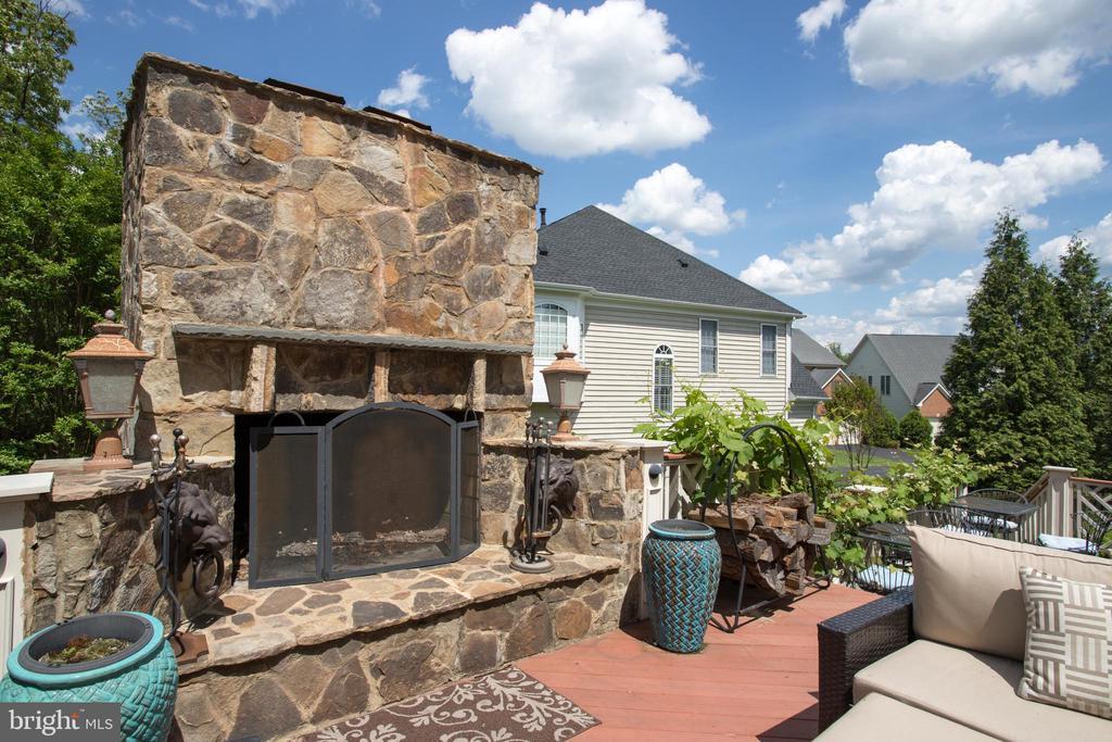Fireplace - 43122 ROCKY RIDGE CT, LEESBURG