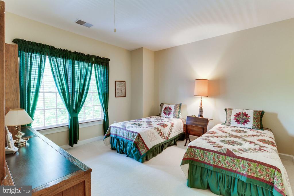 Spacious upper level Bedroom 3! - 3530 SAINT AUGUSTINE LN, OAKTON