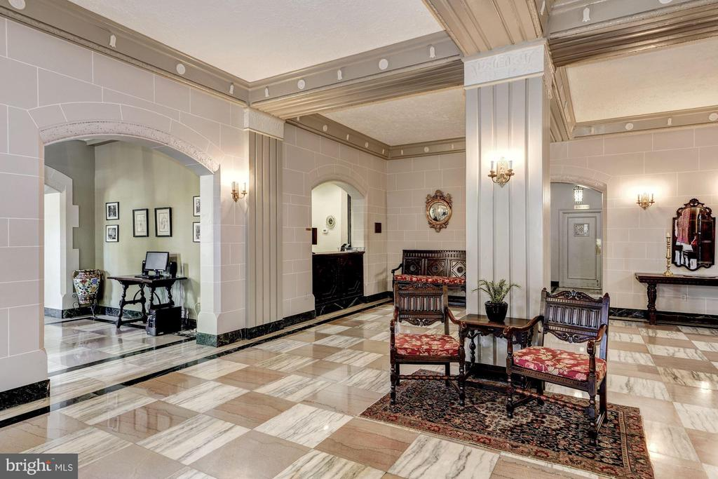 Main Lobby with Front Desk - 3900 CONNECTICUT AVE NW #506-G, WASHINGTON