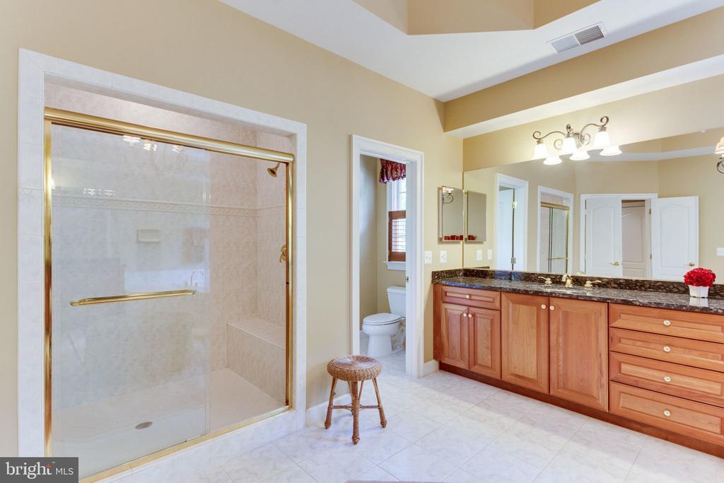 Master Bath! - 3530 SAINT AUGUSTINE LN, OAKTON