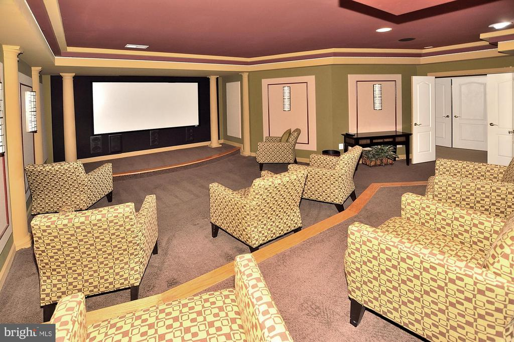 LOWER LEVEL THEATER/MEDIA ROOM - 4653 AUTUMN GLORY WAY, CHANTILLY