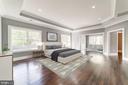 Spacious Master Bedroom w/Sitting Rm + Balcony - 4030 18TH ST S, ARLINGTON