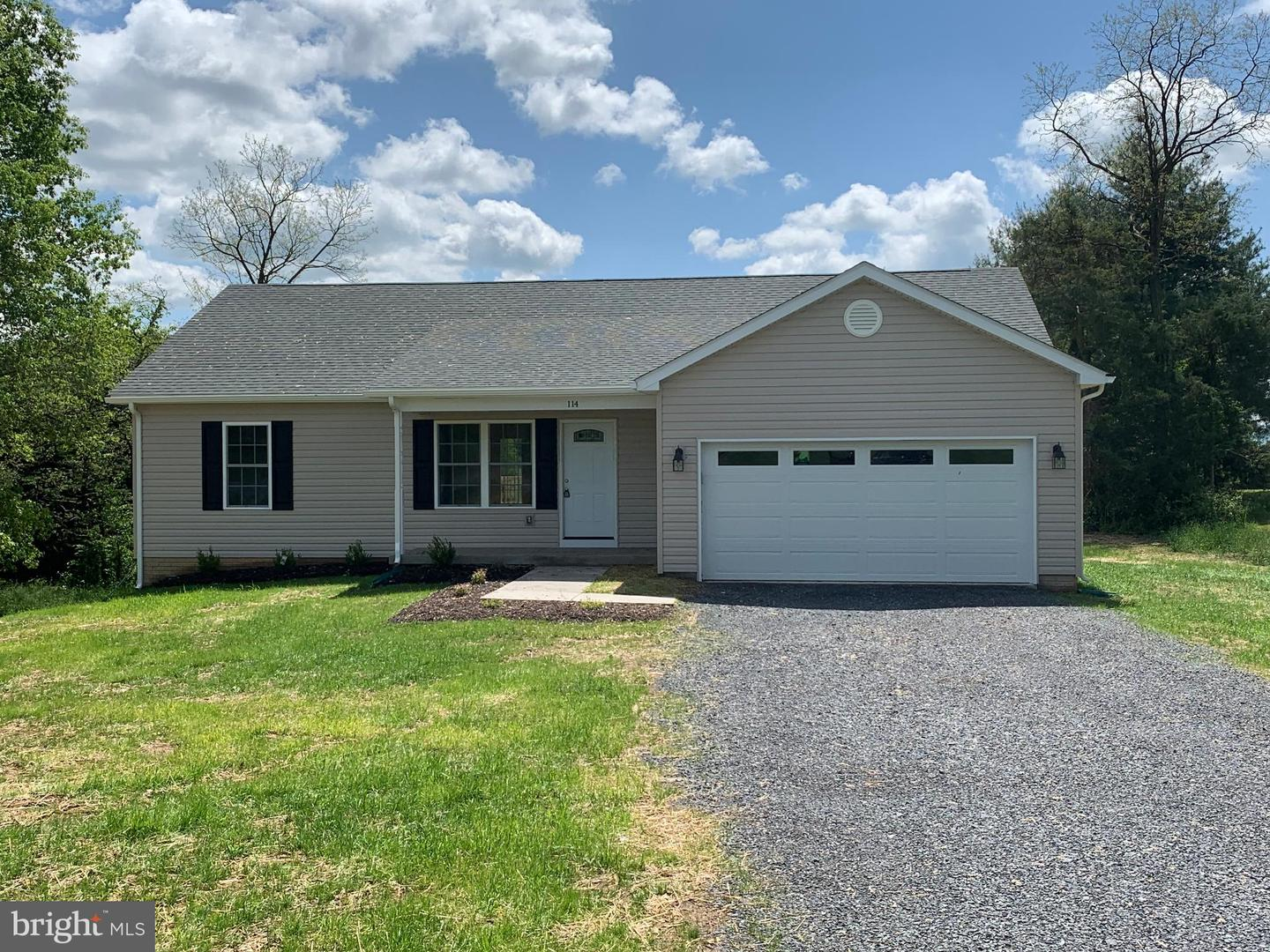 Single Family for Sale at 114 Virginia Dr 114 Virginia Dr Stephens City, Virginia 22655 United States