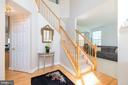 So much sunlight in this home - 1709 FAIRLEIGH CT NE, LEESBURG