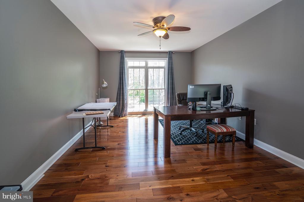Main floor office - 17512 FLINT FARM DR, ROUND HILL