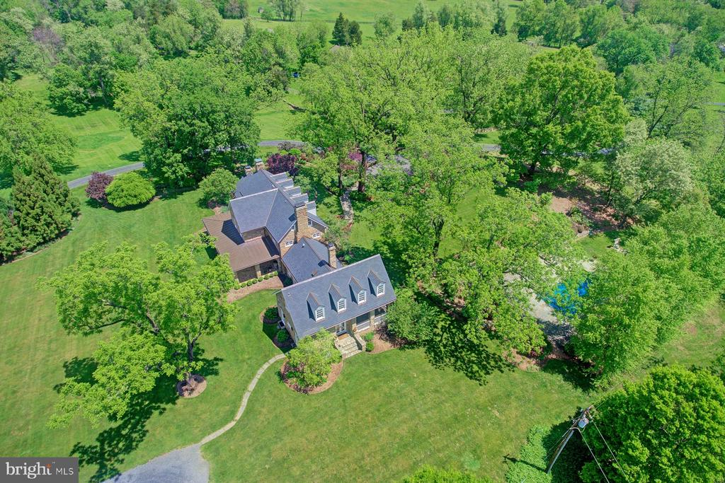 Arial view - 22941 FOXCROFT RD, MIDDLEBURG