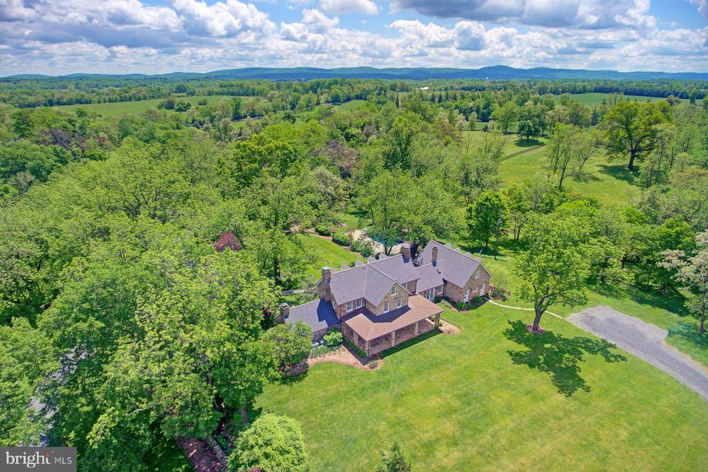 Gorgeous views all around - 22941 FOXCROFT RD, MIDDLEBURG