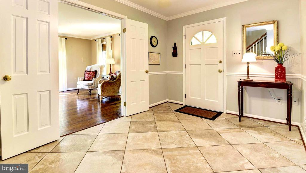 Large foyer with stone tile floors. - 3905 PICARDY CT, ALEXANDRIA