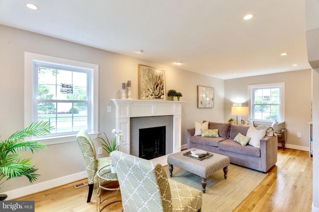 Main Level Living room with wood burning fireplace - 5469 DAWES AVE, ALEXANDRIA