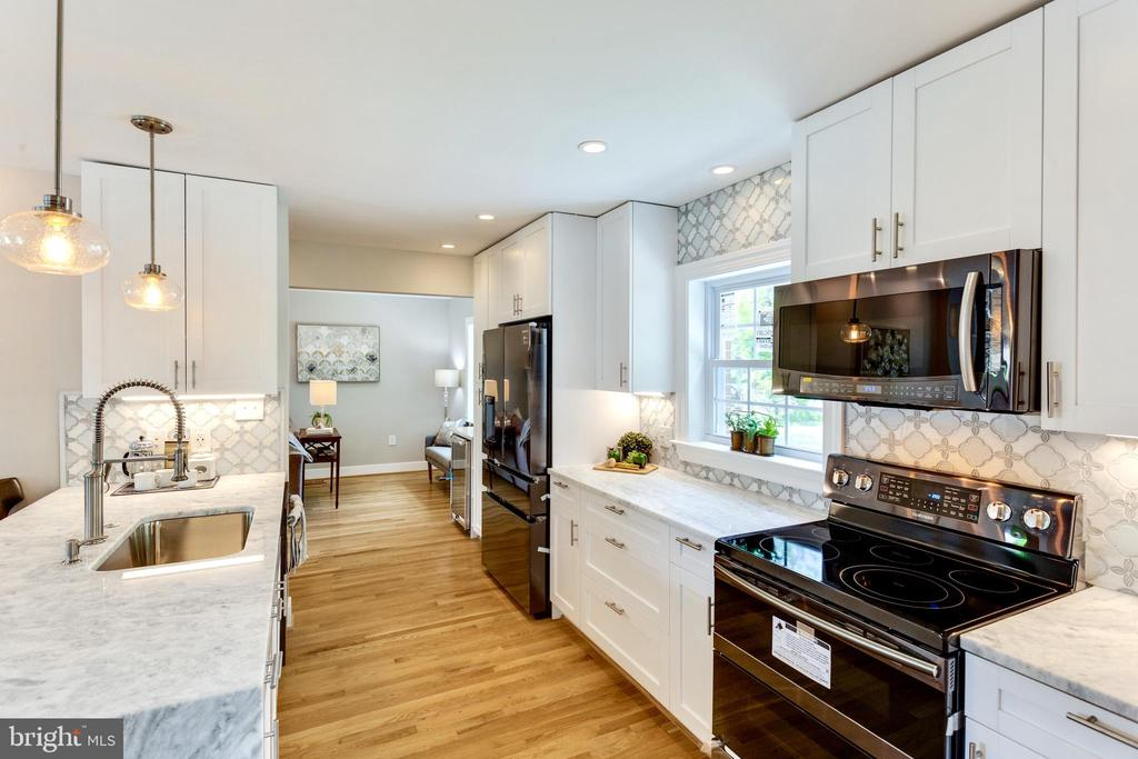 Black Stainless Steel appliances - 5469 DAWES AVE, ALEXANDRIA