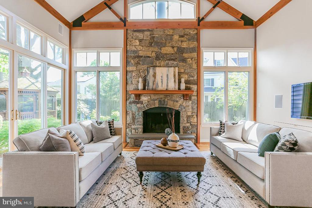 Vaulted ceilings with beautiful fireplace - 6418 BROAD ST, BETHESDA