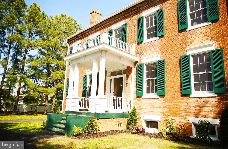 Single Family Homes för Försäljning vid Brandywine, Maryland 20613 Förenta staterna