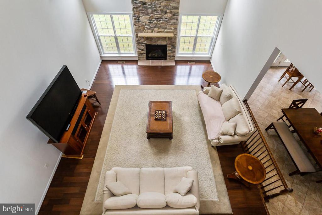 Family room view from overlook - 1076 DECATUR RD, STAFFORD