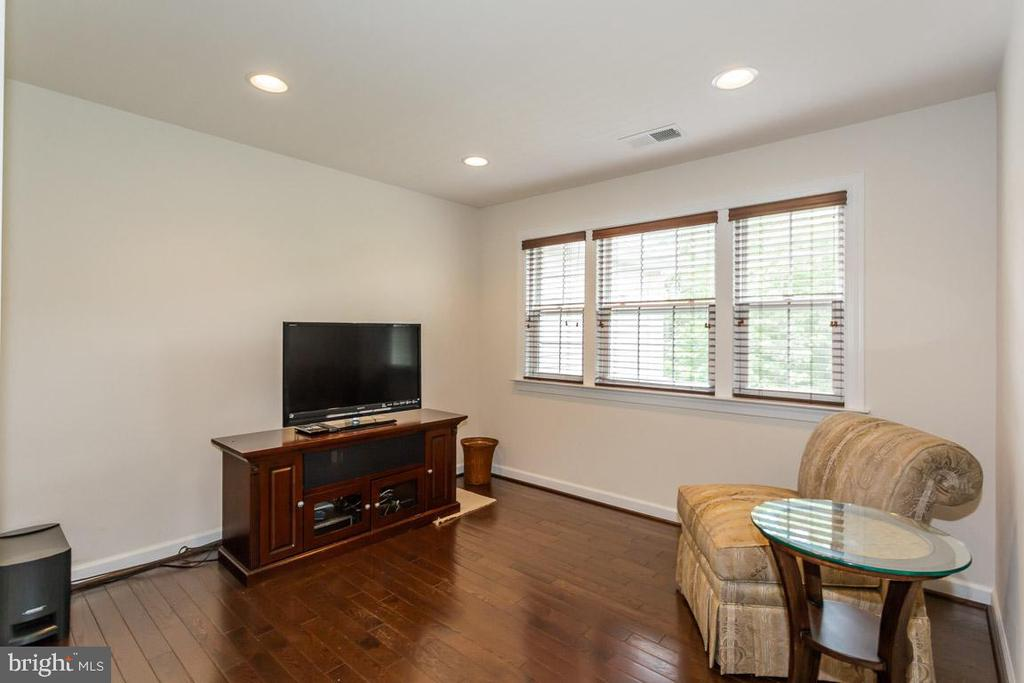 Master Suite sitting room - 1076 DECATUR RD, STAFFORD