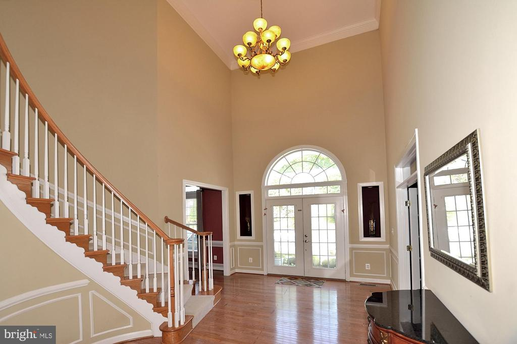 Foyer #1 - 7763 CAMP DAVID DR, SPRINGFIELD