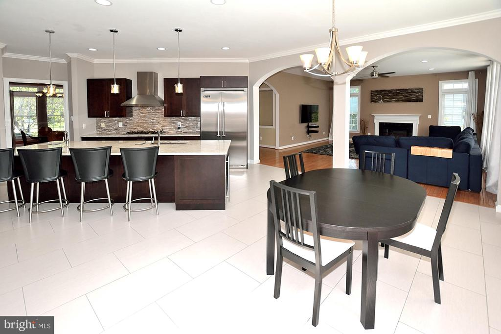 Gourmet Kitchen #6 - 7763 CAMP DAVID DR, SPRINGFIELD