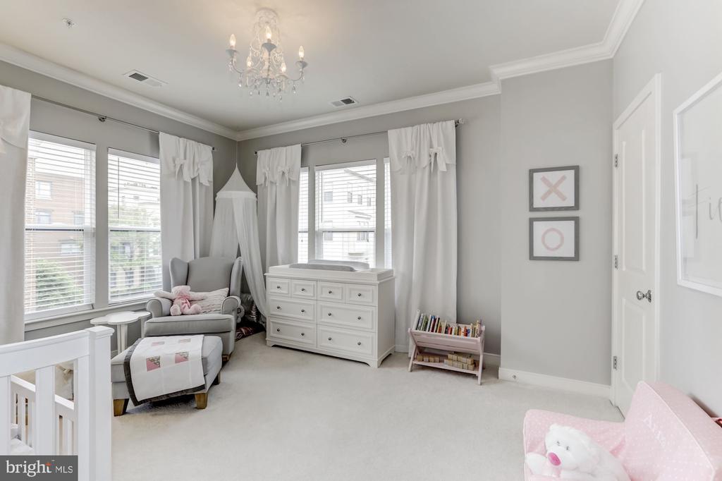 second bedroom - 12160 WAVELAND ST, FAIRFAX