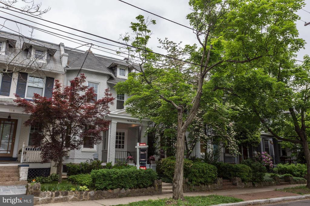 MLS DCDC423644 in CHEVY CHASE