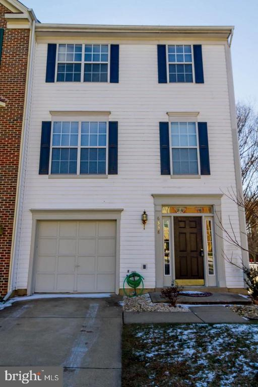 Nice 3 level townhouse with 1 car garage - 6338 DAKINE CIR, SPRINGFIELD