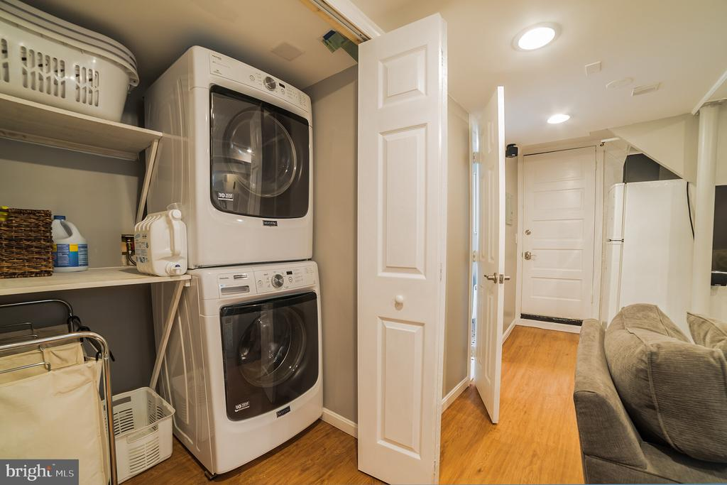 laundry - 2815 CREST AVE, CHEVERLY