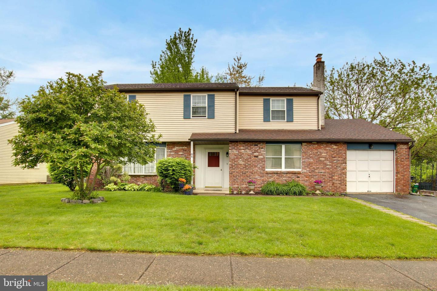 Single Family Home for Sale at Levittown, Pennsylvania 19056 United States