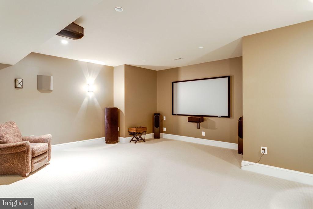 Theater Room - 8704 STANDISH RD, ALEXANDRIA