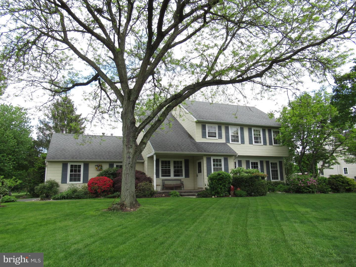 Single Family Home for Sale at Lawrenceville, New Jersey 08648 United States