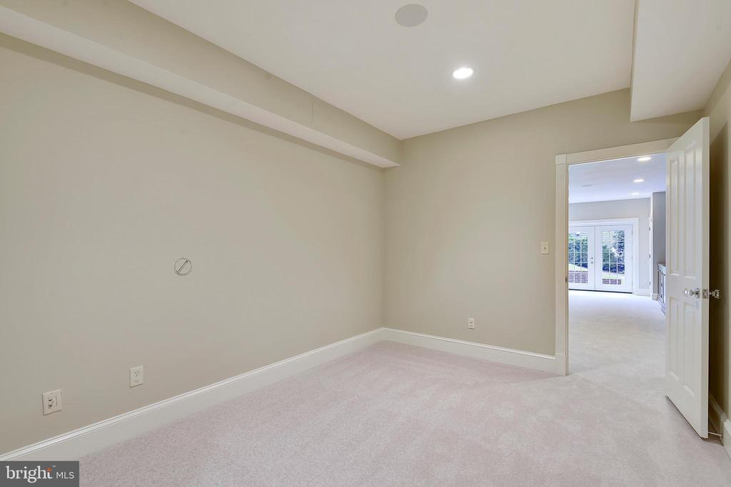 Fitness or storage room in lower level. - 2702 24TH ST N, ARLINGTON