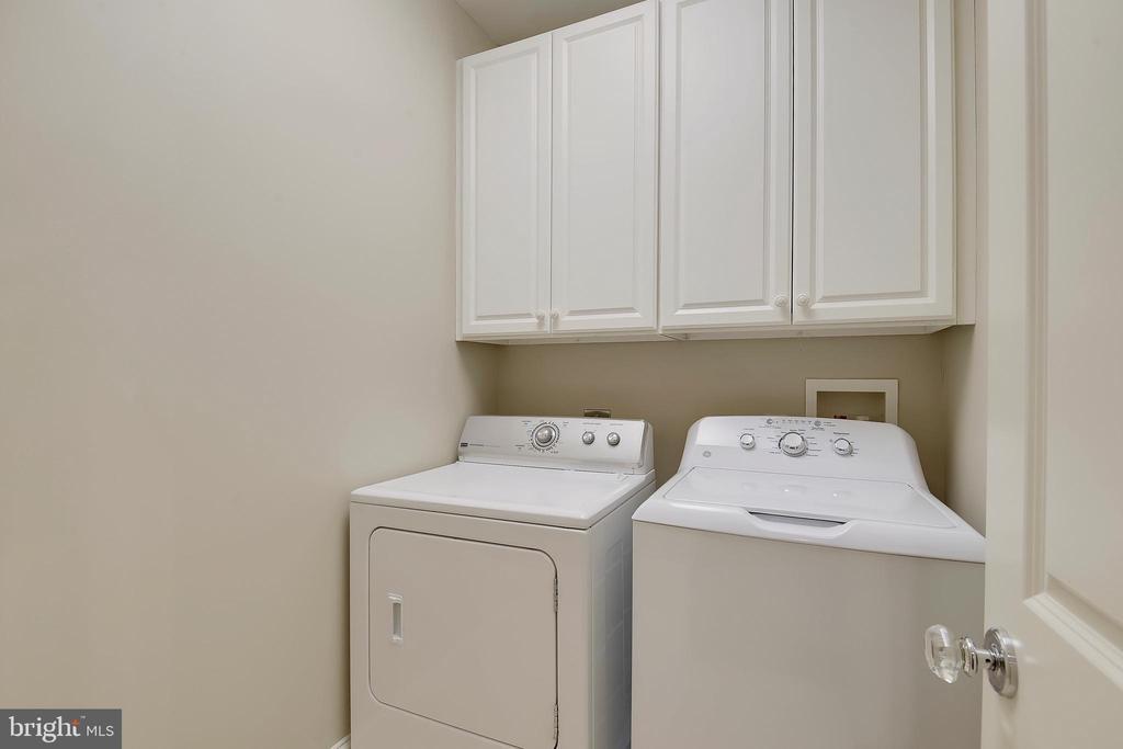 Upper level laundry room. - 2702 24TH ST N, ARLINGTON