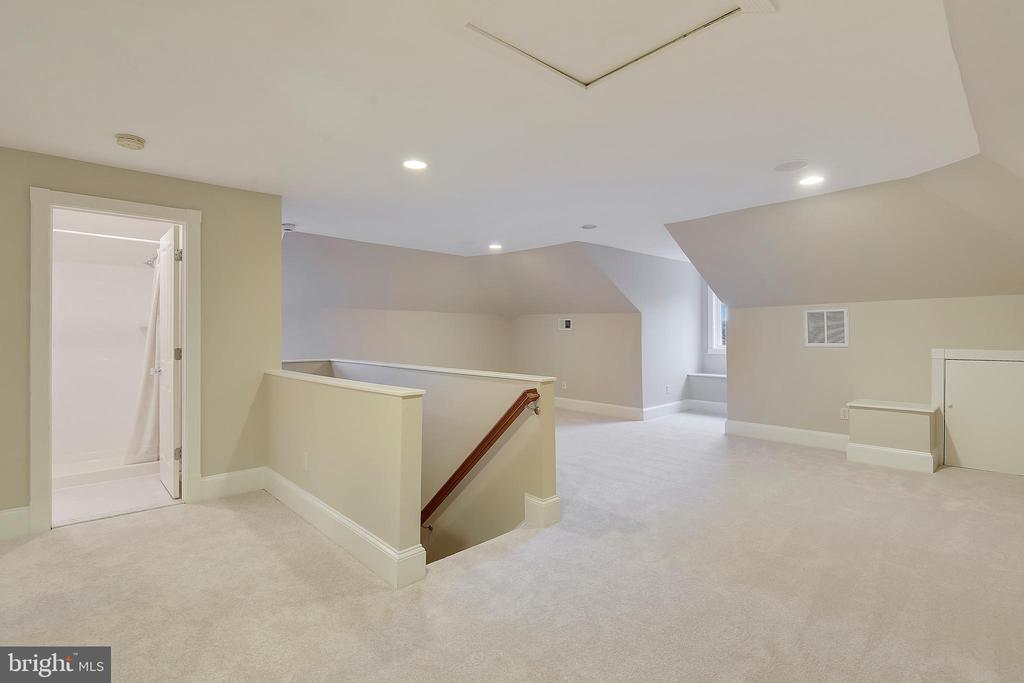 Finished loft. - 2702 24TH ST N, ARLINGTON