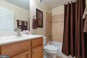 Private bath for 4th bedroom - 16060 IMPERIAL EAGLE CT, WOODBRIDGE