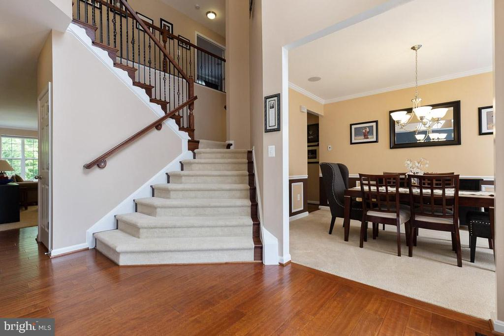 Dual Staircase with iron railing - 16060 IMPERIAL EAGLE CT, WOODBRIDGE