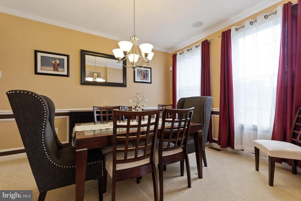 DR featuring picture framing, crown molding - 16060 IMPERIAL EAGLE CT, WOODBRIDGE