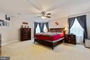 Expansive Master Suite with sitting area - 16060 IMPERIAL EAGLE CT, WOODBRIDGE