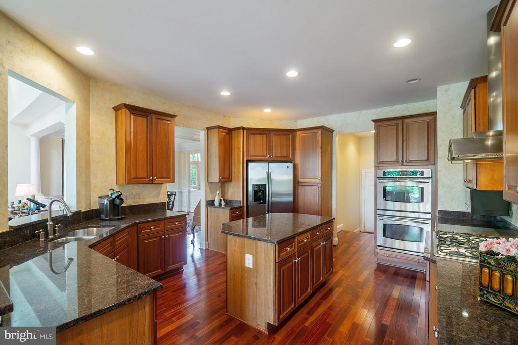 Chef's Kitchen - 18318 FAIRWAY OAKS SQ, LEESBURG