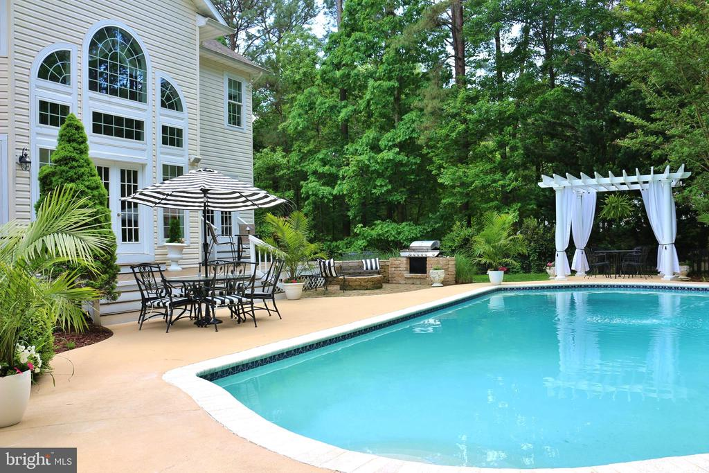 Gorgeous Dream Home with Pool in Fawn Lake! - 11400 STONEWALL JACKSON DR, SPOTSYLVANIA