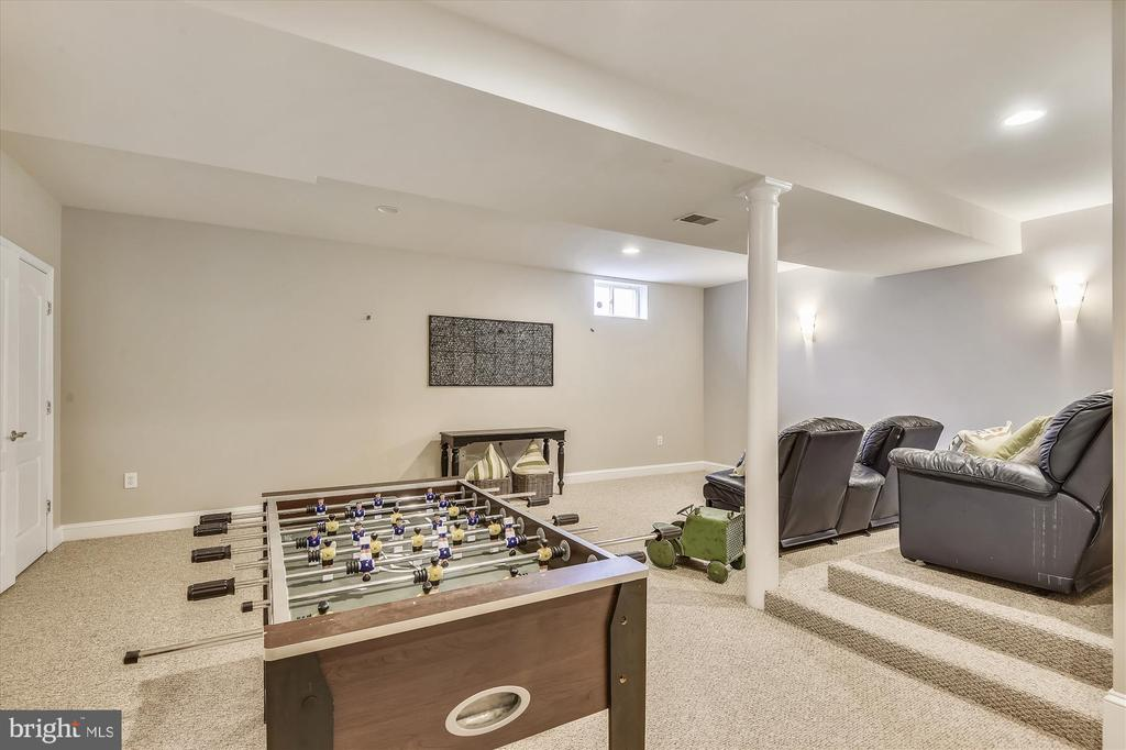Recreation Room - 1429 GREENBRIER ST S, ARLINGTON