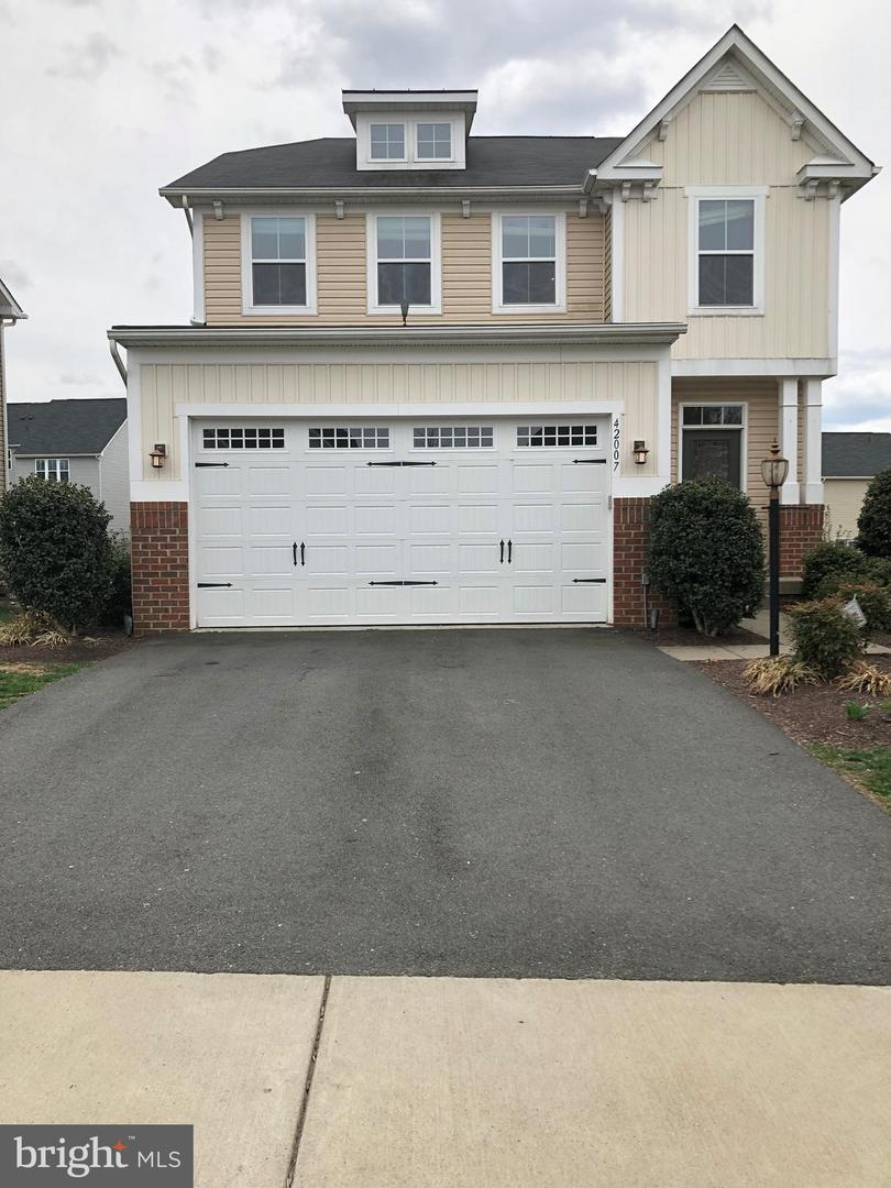 Single Family for Sale at 42007 Powells Farm Way Aldie, Virginia 20105 United States