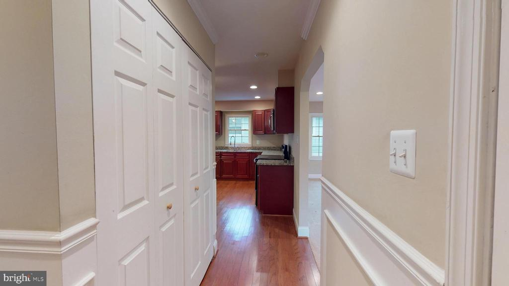 Hall to kitchen with laundry closet - 307 S KENNEDY RD, STERLING