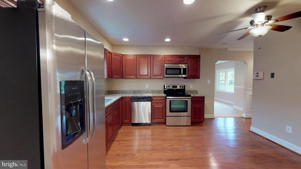 Recessed lighting - 307 S KENNEDY RD, STERLING