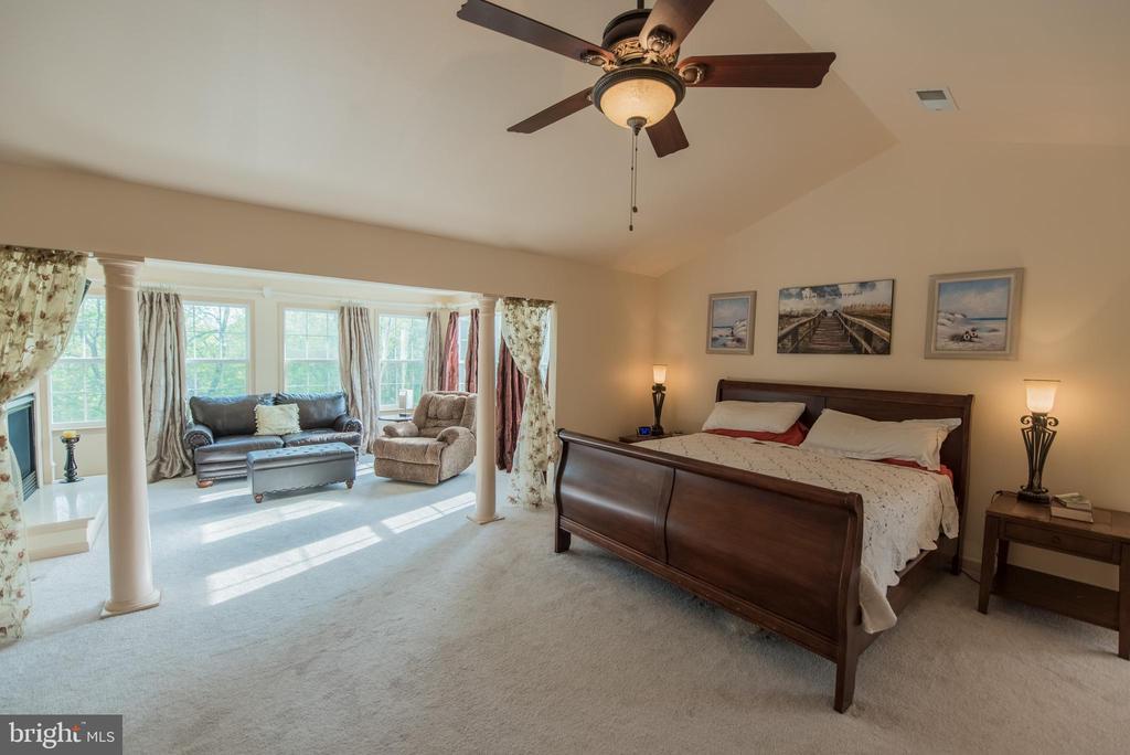 Master Bedroom with Sitting Room - 187 HEWITT, MARTINSBURG