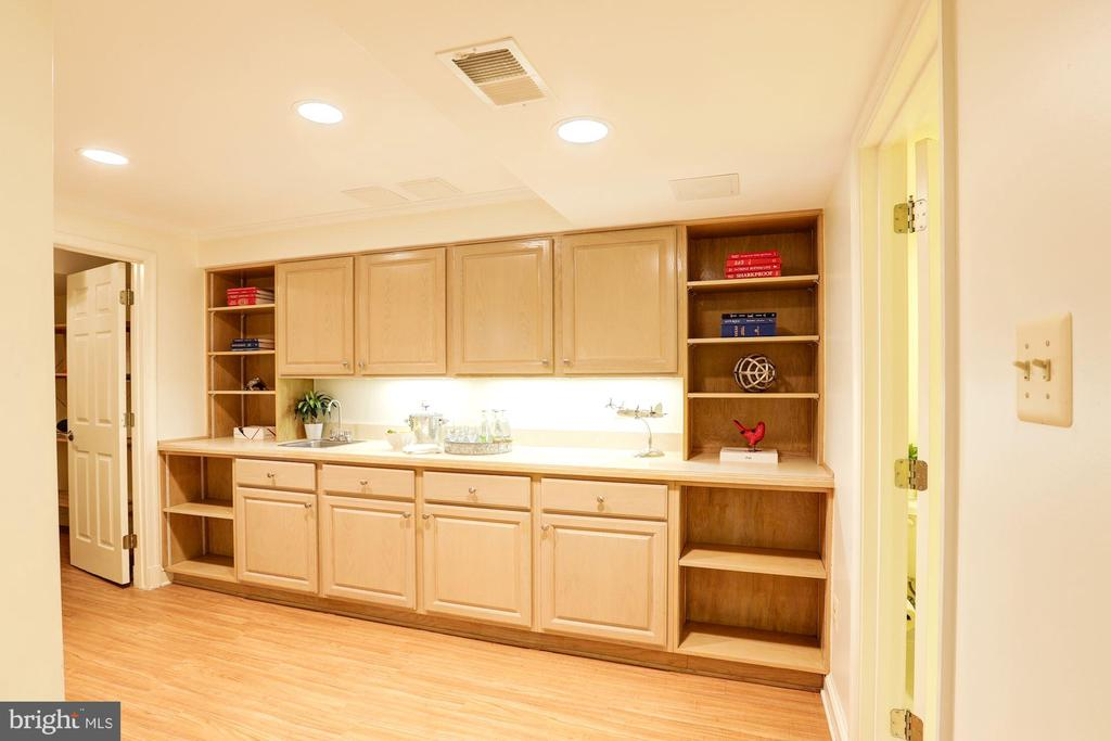 Craft Room With Built-in Shelving & Storage - 2337 N VERMONT ST, ARLINGTON