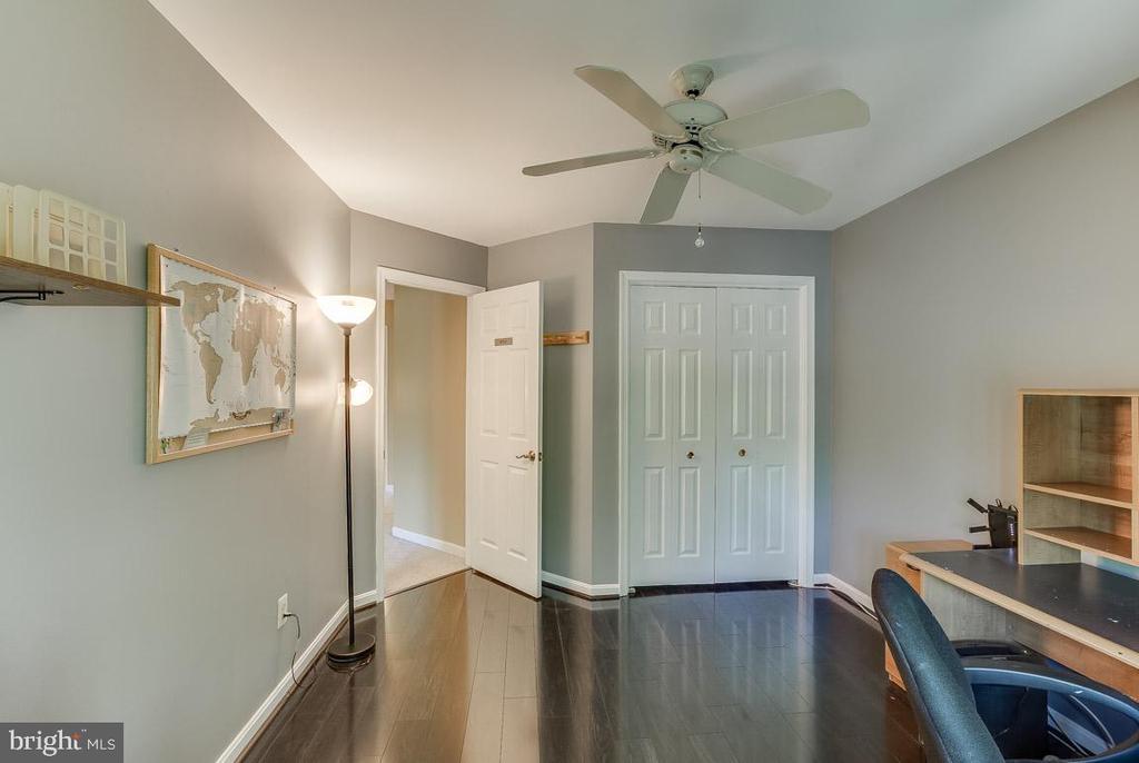 nice floors - 4045 LAKE GLEN RD, FAIRFAX