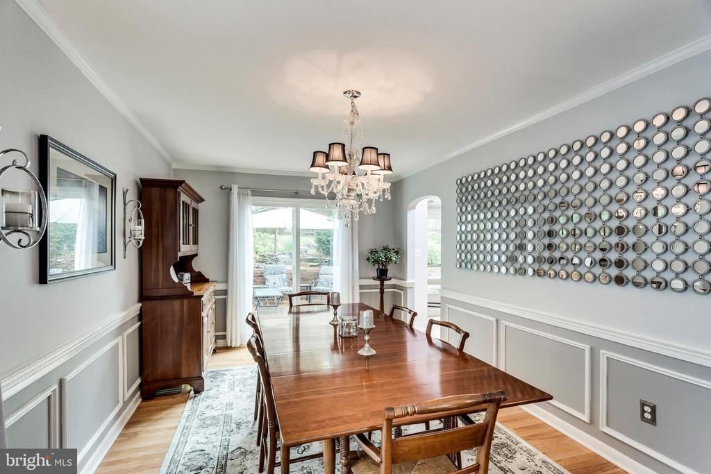 Banquet sized dining room - 3703 MACGREGOR CT, ANNANDALE