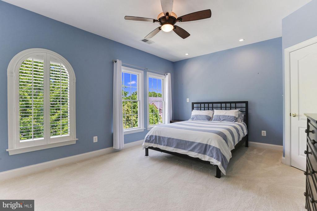 Bedroom 2 with Ceiling Fan - 43603 CATCHFLY TER, LEESBURG