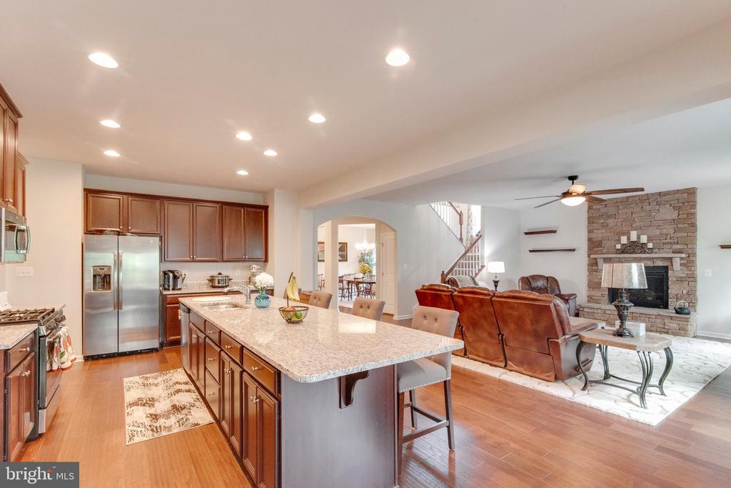 Great Open Floor Plan W/ Gorgeous Hardwood Floors - 5719 PINEY GLADE RD, FREDERICKSBURG